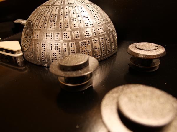 http://leetless.de/images/pinball/deathstar_spray_closeup_t.jpg