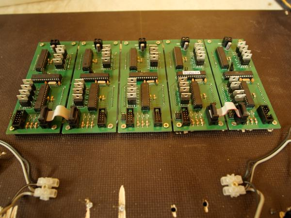 http://leetless.de/images/pinball/display_modules_back_t.jpg
